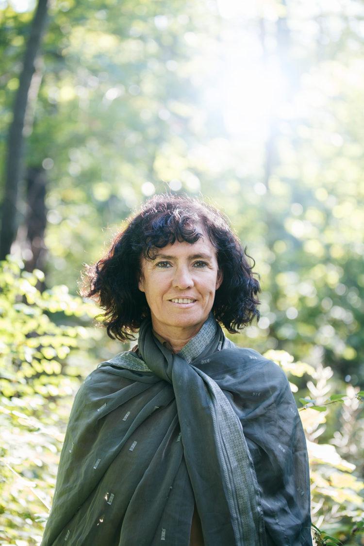 Composer Performer Ana Maria Rodriguez. Fotografiert im Berliner Plänterwald; 28.9.2015. Nutzung ist honorarfrei bis zum Ablaufdatum 1.4.2017. Danach honorarpflichtig.